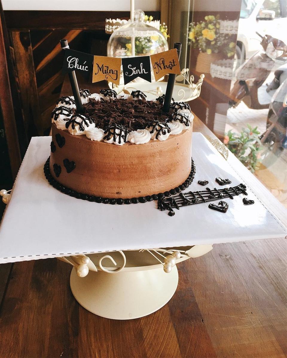 Nếu bạn đang đâu đầu tìm một quán bánh sinh nhật vừa ngon vừa bắt mắt thì U's Kitchen chính là một lựa chọn hợp lý cho bạn đó.