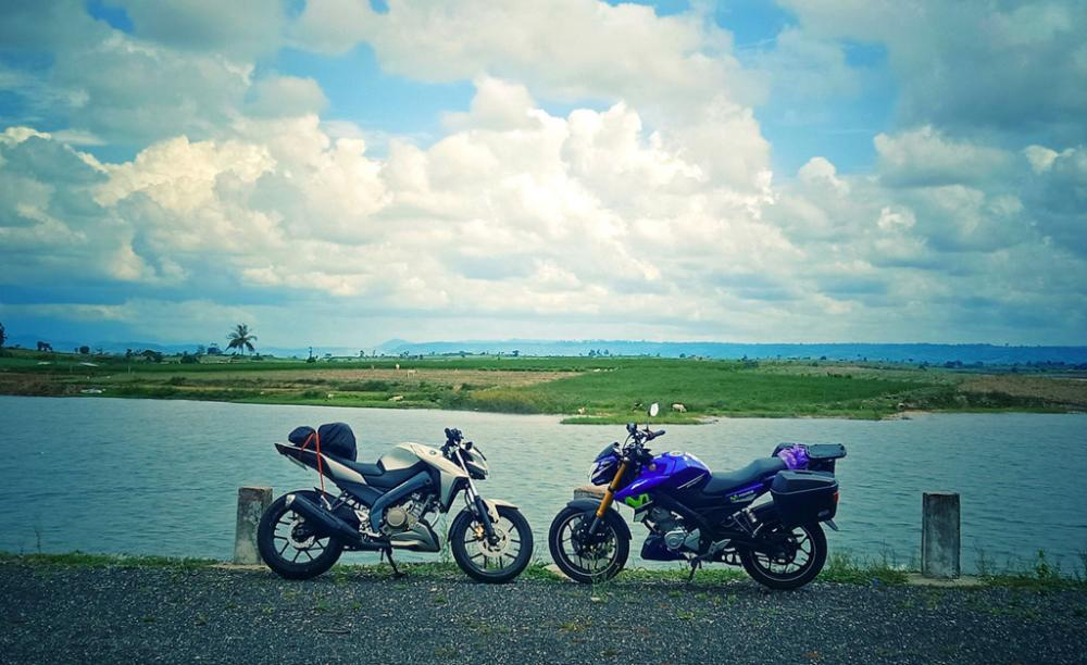 Sau đó chúng tôi chạy qua hồ đập thủy điện An Khê.
