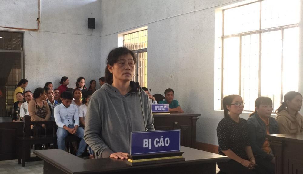 Bị cáo H'Loan Aliô tại phiên tòa sơ thẩm.