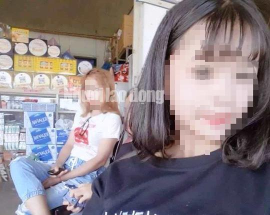 Cả 3 cô bé này học xong cấp tiểu học đã nghỉ và thường đi chơi với nhiều thanh thiếu niên.