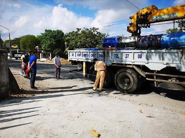Công an thị xã Phú Mỹ tại hiện trường vụ tai nạn - Ảnh: MK.