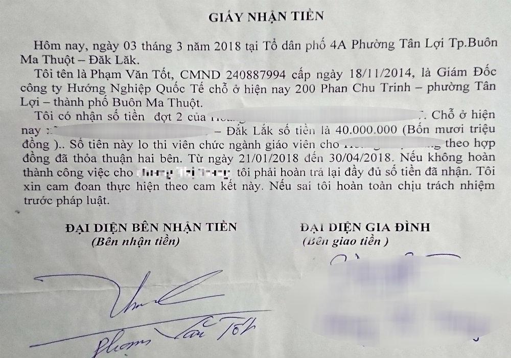 Giấy biên nhận tiền lo thi viên chức ngành giáo viêncủa Phạm Văn Tốt