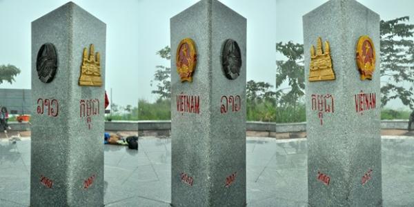 Các mặt của cột mốc biên giới 3 nước Việt Nam – Lào – Campuchia. (Nguồn: Thiên An)