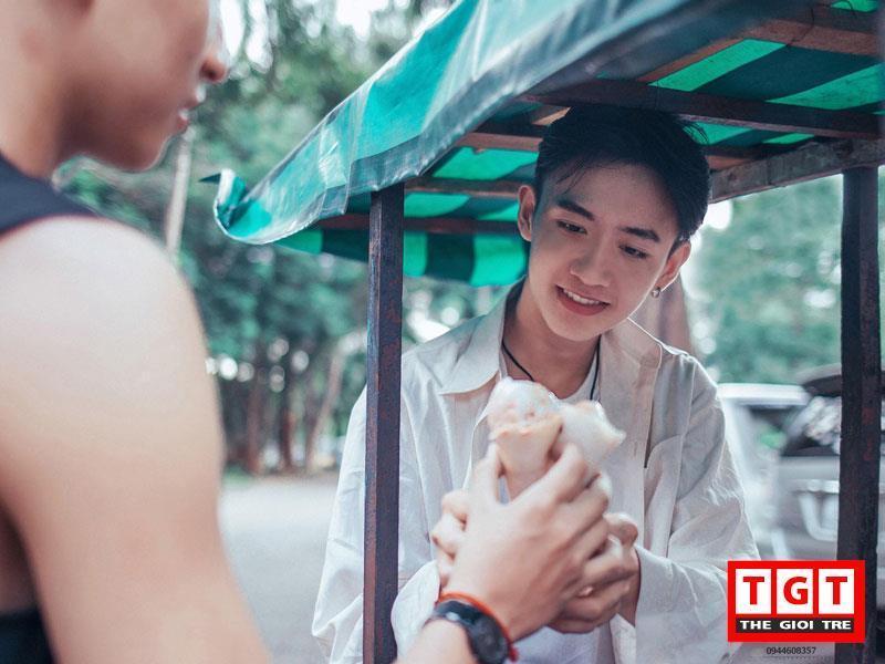 Gương mặt điển trai đậm chất Hàn Quốc của trai đẹp Buôn Mê Thuột khiến nhiều chị em ngẩn ngơ