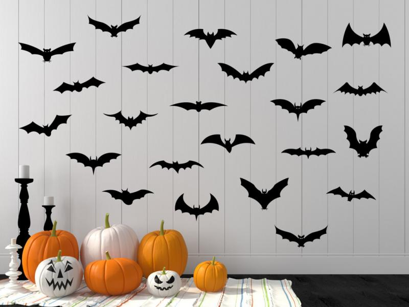 Dơi: Đây cũng là một loài vật được xem như tay sai của phù thủy. Theo truyền thuyết, nếu một con dơi bay vào nhà bạn trong lễ Halloween, đó là dấu hiệu nhà bạn bị ma ám. Ngày nay, dơi là một hình ảnh trang trí phổ biến trong lễ hội này. Ảnh: Bustle