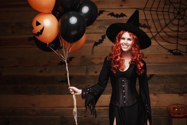Phù thủy: Ban đầu, trong lễ Samhain cổ xưa, các phù thủy được xem là biểu tượng của sự thông thái, thay đổi và sang mùa. Tuy nhiên, theo thời gian, hình ảnh của họ đã biến thành những bà già điên rồ, độc ác. Ngày nay, trang phục phù thủy được nhiều người ưa thích và lựa chọn cho mùa Halloween. Ảnh: Freepick.