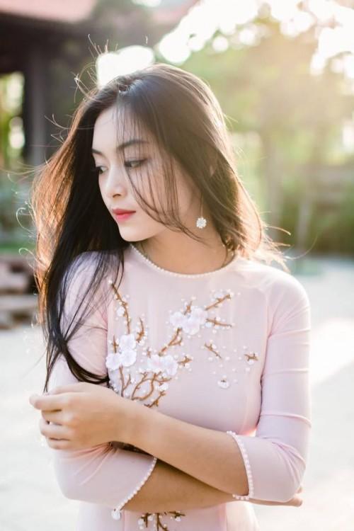 Được biết hiện tại Tố Anh đã tốt nghiệp trường THPT chuyên Trần Phú - Hải Phòng và đang du học ở Pháp với ngành Quản trị nhà hàng khách sạn tại Vatel - một ngôi trường sáng giá cho sinh viên ngành này.