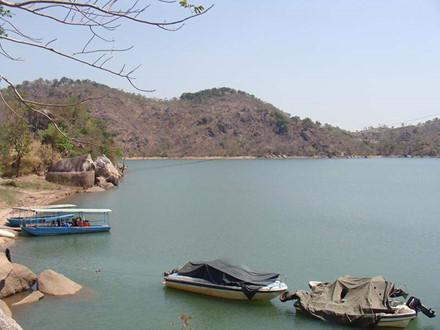 Một góc hồ Ayun Hạ. Ảnh: L.Đ.Dũng