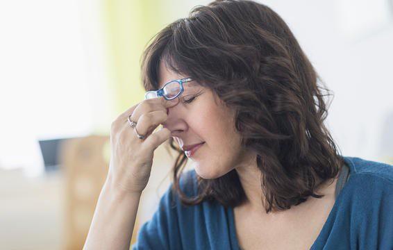 Stress và căng thẳng có thể làm bạn chịu ảnh hưởng từ những xung nhịp này mạnh hơn.