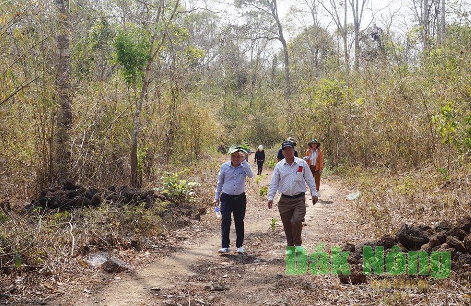Đoàn công tác của tỉnh đi kiểm tra hiện trạng khu vực hang động núi lửa Krông Nô