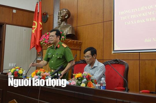 Đại tá Lê Vinh Quy thông tin vụ tại buổi họp báo