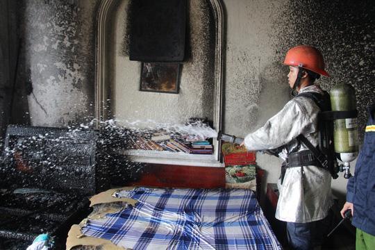 Sau hơn 20 phút chữa cháy, đám cháy đã được dập tắt hoàn toàn