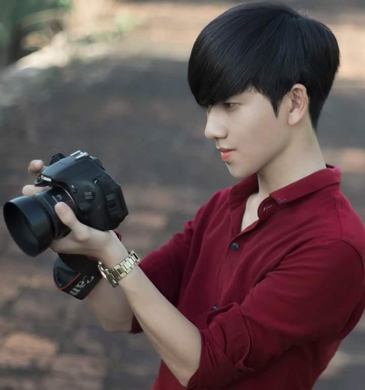 Công Chí đam mê chụp ảnh từ năm học lớp 11, anh tự tìm tòi và học hỏi qua những bức ảnh của các nhiếp ảnh gia trên mạng.