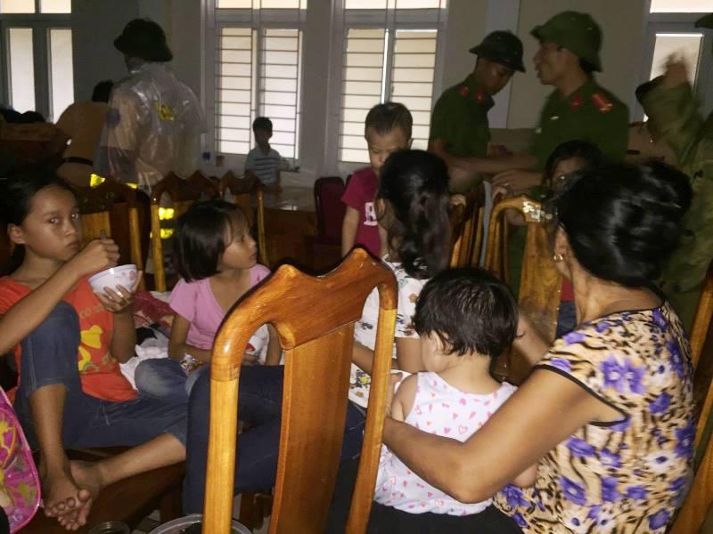 Thực phẩm luôn được cung ứng đầy đủ cho người dân sơ tán