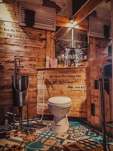 Khu vực nhà vệ sinh của quán. (Nguồn: Your Đà Nẵng)