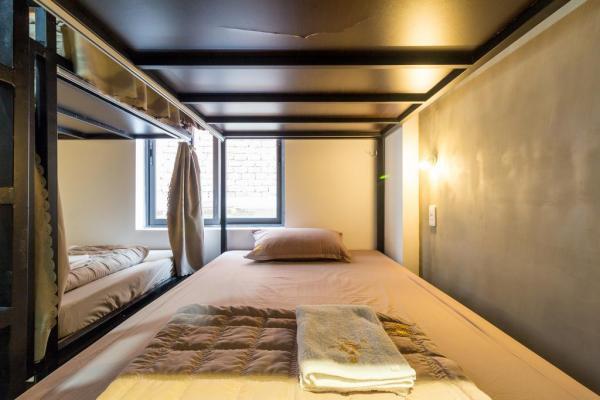 Không gian phòng ngủ ấm cúng. (Nguồn: carpedieminn.com)