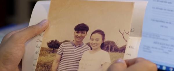 Bức ảnh kỷ niệm của Thanh và Mai. (Nguồn: Cắt từ phim)
