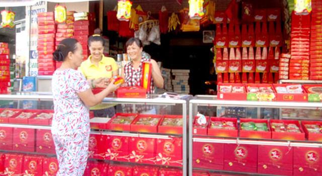 Bánh trung thu được bày bán khá nhiều trên các tuyến đường ở Đà Nẵng
