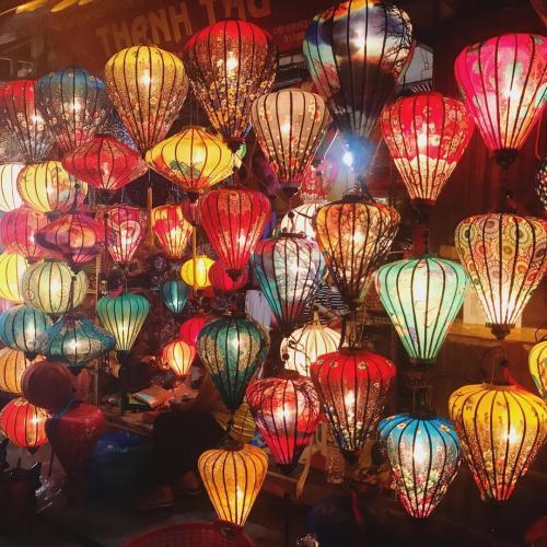 Đêm trung thu Hội An rực rỡ đèn lồng. (Nguồn: nancy_djnh)