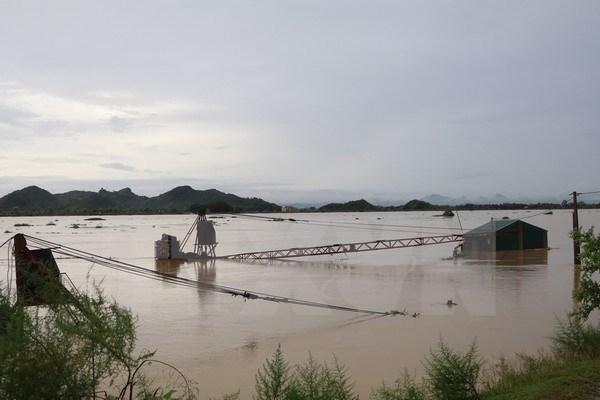 Ngày 11/10, mực nước tại sông Hoàng Long khu vực bến Đế chiều 11/10 đạt mức 4,73m. (Ảnh: Ninh Đức Phương/TTXVN)