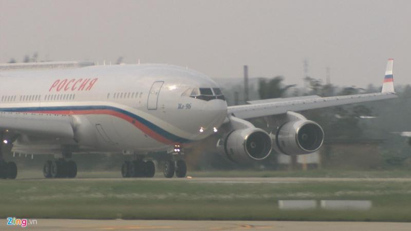 Lúc 8h50 chuyên cơ chở Tổng thống Putin đã đáp xuống sân bay Đà Nẵng.