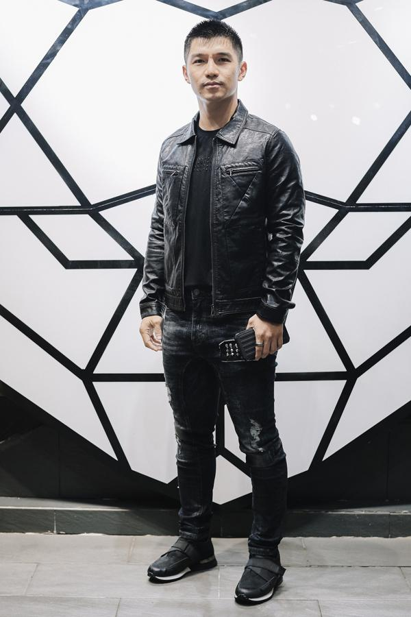Cường Seven nam tính với cách kết hợp áo khoác da đen khi mix đồ cùng một