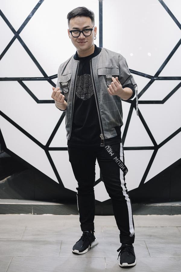 Chung Thanh Phong cho biết, song song với việc triển khai các dự án mới cho thương hiệu thời trang nam, anh và các cộng sự của mình đang cố gắng hoàn thành các bước chuẩn bị cho show thời trang thu đông dự kiến tổ chức vào cuối năm nay.