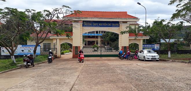 Trường THPT Nguyễn Chí Thanh, nơi em L. đang theo học. Ảnh: Vũ Di.