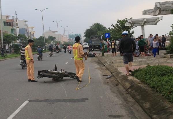 Hiện trường vụ tai nạn khiến nam thanh niên tử vong.