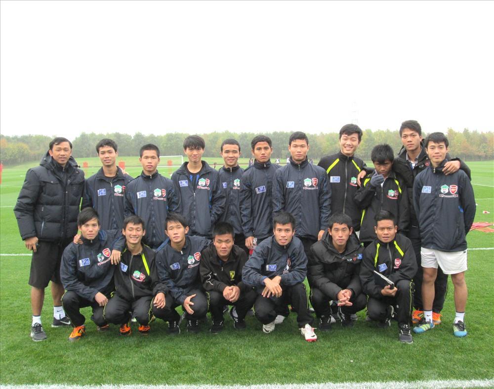 Các cầu thủ Học viện HAGL tại CLB Arsenal.