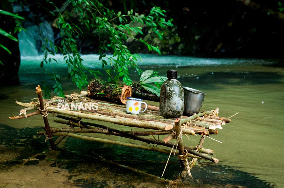 Với vẻ đẹp nguyên sơ và thơ mộng, suối Đá Ngầm là điểm du lịch dã ngoại đầy thi vị.