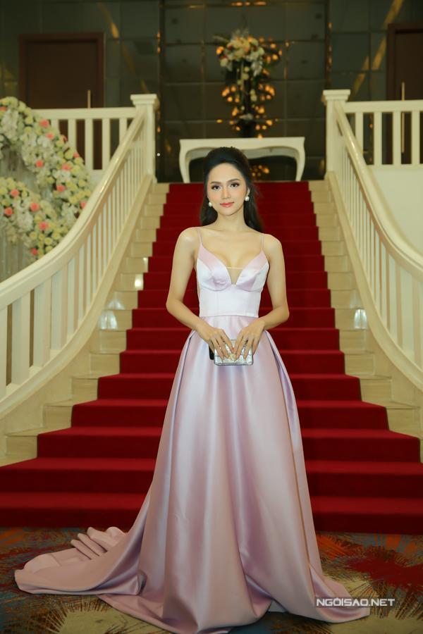 Hoa hậu Hương Giang là một trong các khách mời của chương trình.