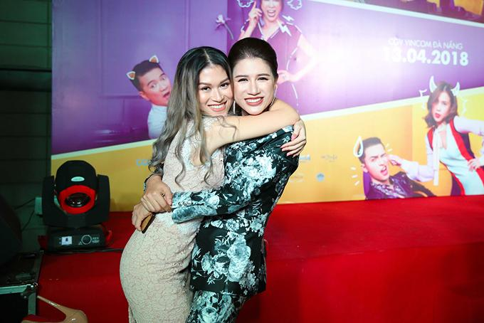 Ở ngoài đời, hai diễn viên cũng có mối quan hệ rất gần gũi. Trang Trần luôn theo dõi và ủng hộ mỗi dự án phim mà Ngọc Thanh Tâm tham gia.