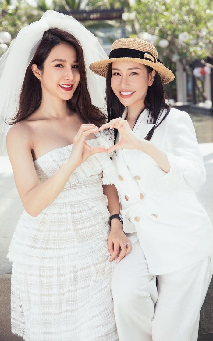 Hoa hậu Lam Cúc.