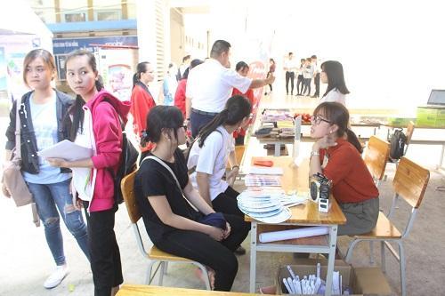 Ngày hội việc làm sinh viên là cơ hội giúp sinh viên tiếp cận với cơ hội việc làm ngay sau khi ra trường