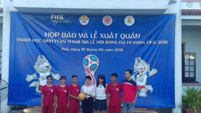 """Bốn """"cầu thủ"""" đại diện Việt Nam tham dự lễ hội bên lề World cup 2018."""