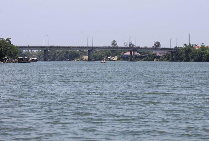 Liên tục phát hiện xác người chết nổi trên mặt sông Hương đoạn qua cầu Chợ Dinh. Ảnh: Internet