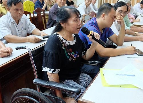 Cử tri Phan Thị Hồng đề nghị cần có chính sách ưu tiên trong bố trí nhà ở xã hội cho người khuyết tật; các công trình xây dựng nhà chung cư, công trình công cộng cần được thiết kế đảm bảo điều kiện cho người khuyết tật sử dụng