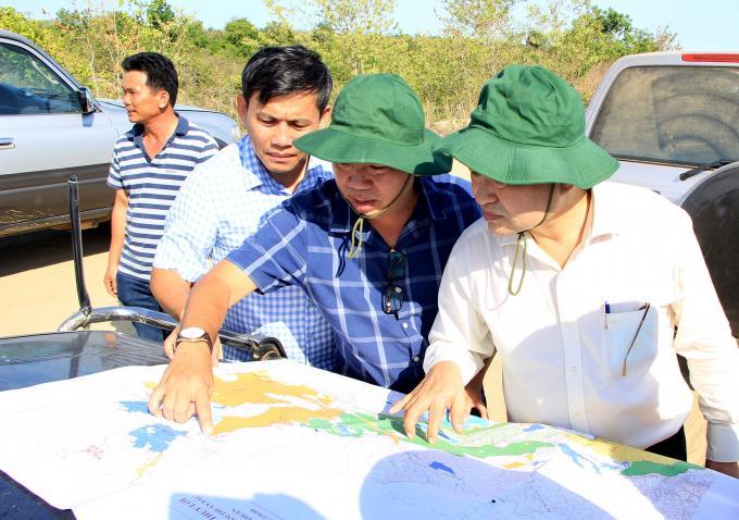 Chủ tịch UBND tỉnh Bình Thuận – Nguyễn Ngọc Hai kiểm tra tình hình cấp nước chống hạn.