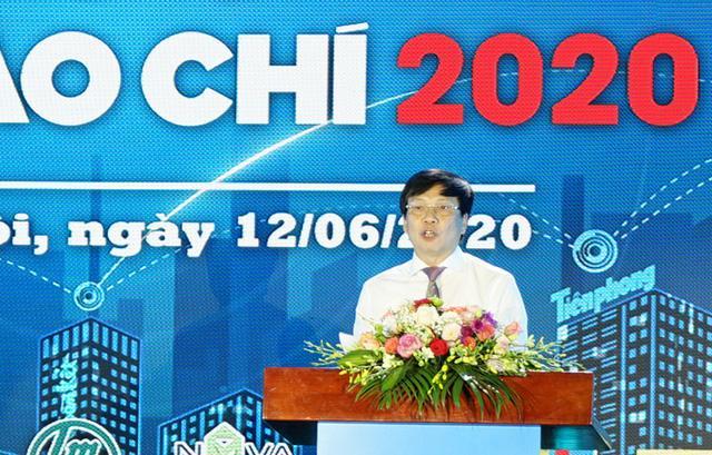 Ông Hồ Quang Lợi – Phó Chủ tịch Thường trực Hội Nhà báo Việt Nam phát biểu khai mạc.
