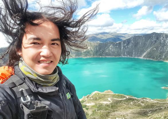 Trần Đặng Đăng Khoa là cái tên rất đình đám trên MXH vì đã bôn ba đi phượt khắp thế giới bằng xe máy trong suốt 3 năm qua. Đăng Khoa đã đi qua 62 quốc gia, 6 châu lục.