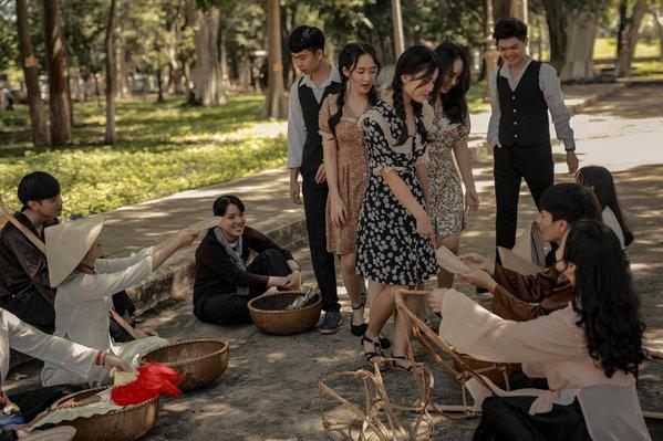 Một bức ảnh tái hiện đời sống người Việt giai đoạn 1930-1940. (Ảnh: Tuệ Nhi)
