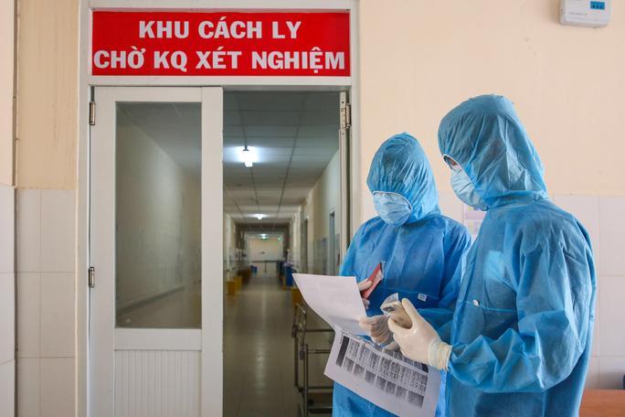 Ca nghi mắc Covid-19 người Indonesia ở TP HCM cùng 145 người tiếp xúc đều cho kết quả âm tính với virus SARS-CoV-2 - Ảnh: Hoàng Triều