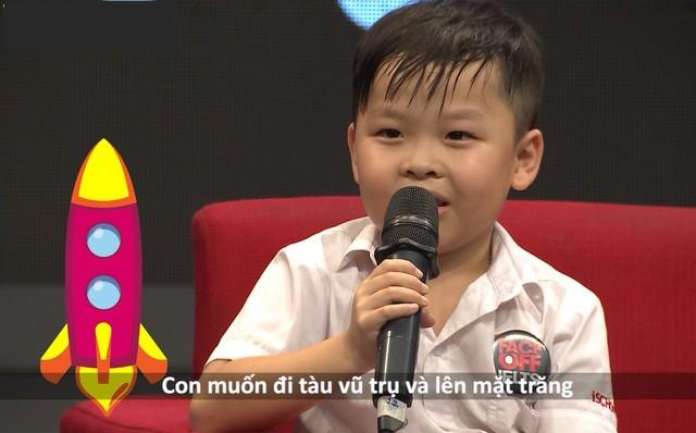 Bé Nguyễn Lê Bảo Chung - 6 tuổi có khả năng nói tiếng Anh bẩm sinh. (Ảnh: Chụp màn hình)