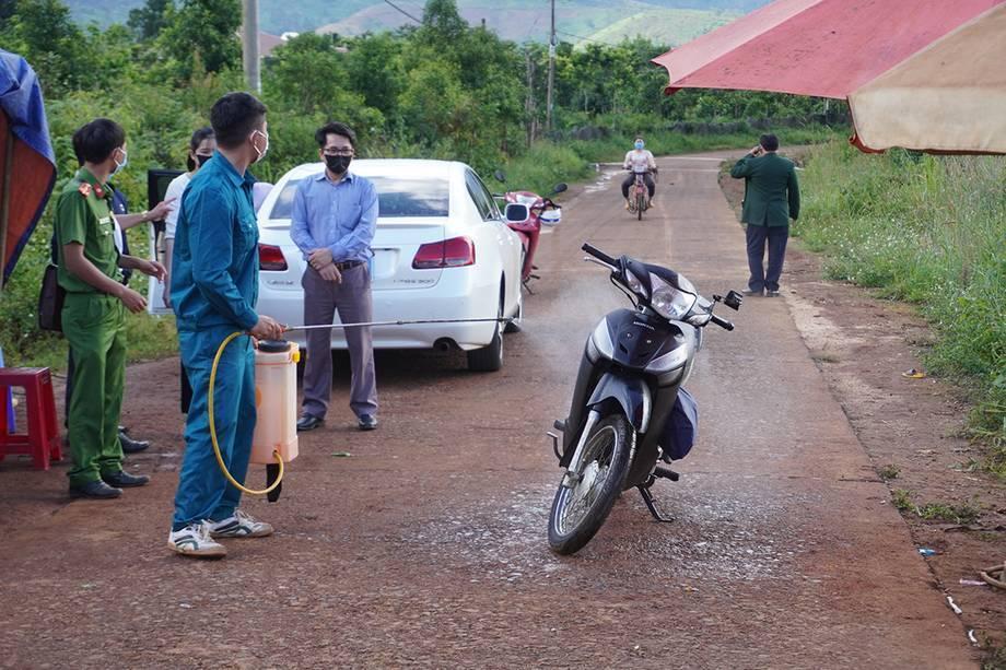 Chốt kiểm dịch tại xã Hải Yang, huyện Đắk Đoa, Gia Lai (Ảnh: Vnexpress)
