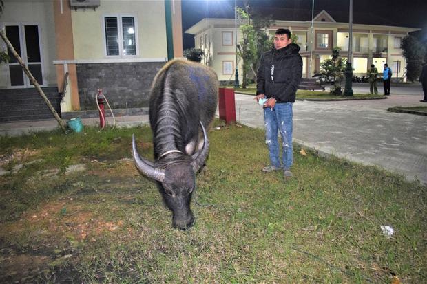Võ Thanh Quang cùng tang vật vụ án