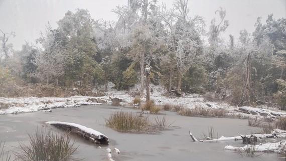Hồ nước ở xã Y Tý (Bát Xát - Lào Cai) đóng băng trong ngày 11/1. Ảnh minh họa: LÊ NGỌC HÂN