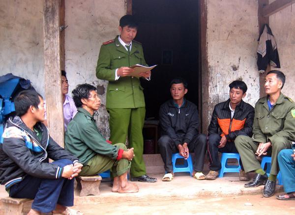 Điện Biên: Chìm nổi những phận má hồng