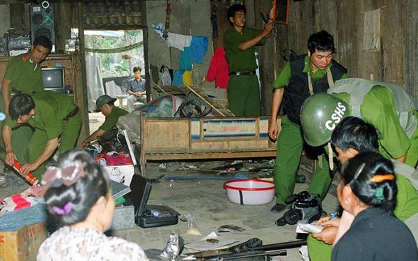Khám xét khẩn cấp chuyên án 201-G (10.2001), một chuyên án điển hình do PC 47 - Công an Điện Biên thực hiện.