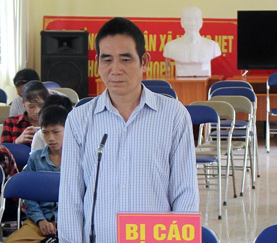 Bị cáo Lù Văn Oan tại phiên tòa xét xử lưu động.